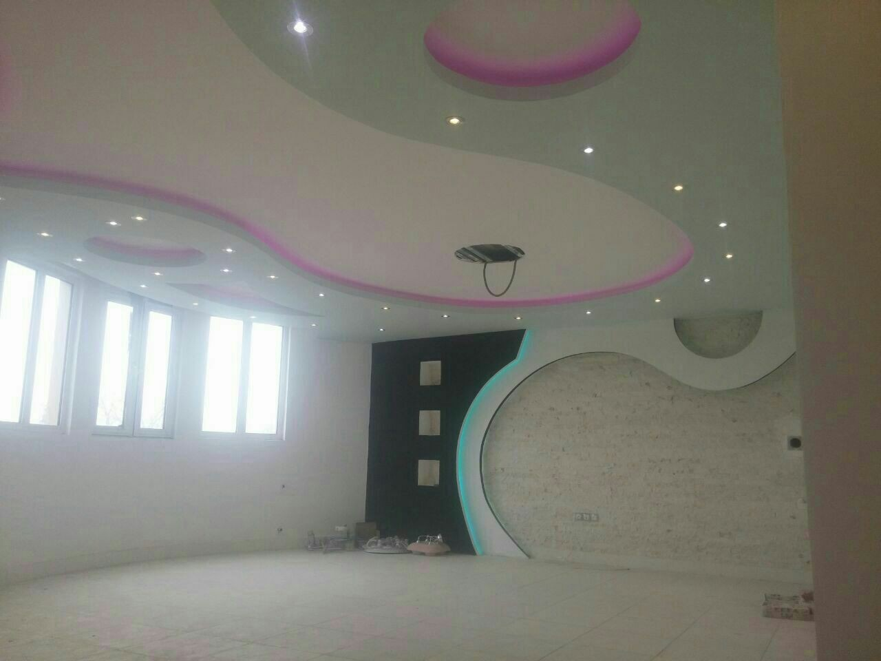 http://asreesfahan.com/AdvertisementSites/1395/08/07/main/tmp_21901-IMG_20161028_190454576980692.jpg