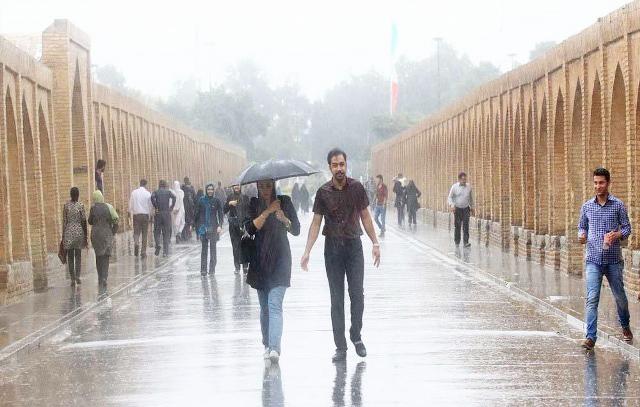 برف و باران در راه اصفهان:هوا ۸ درجه سردتر میشود